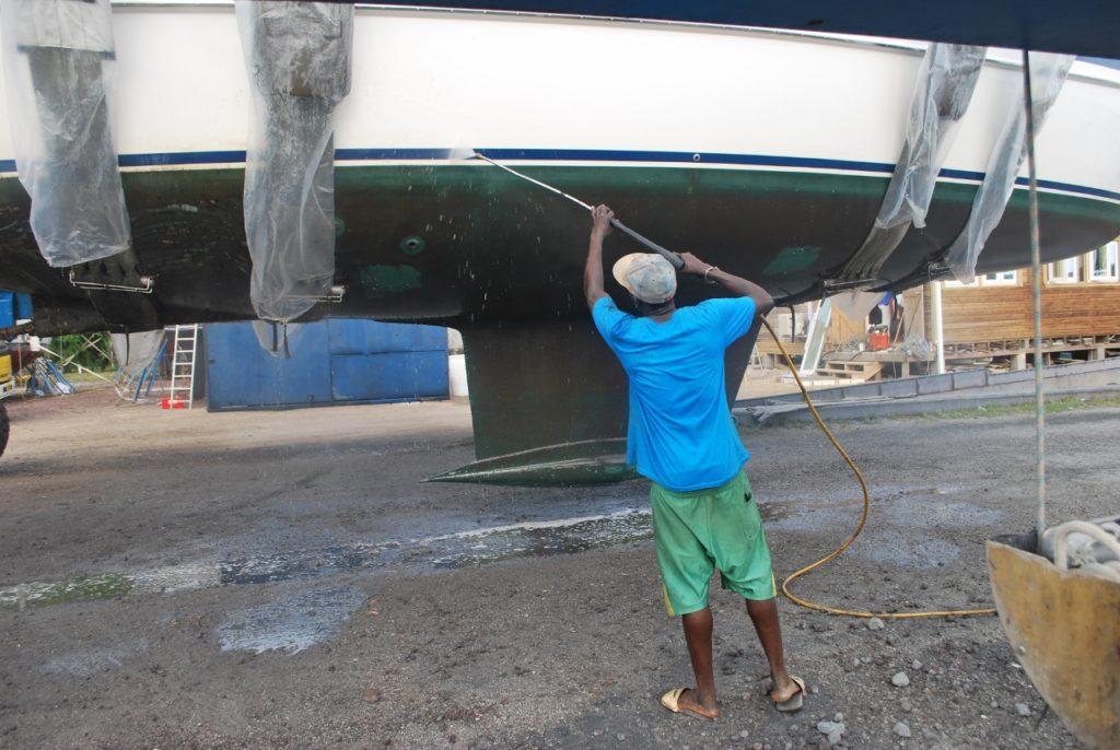 Vega hull cleaning (3) (1280x857)